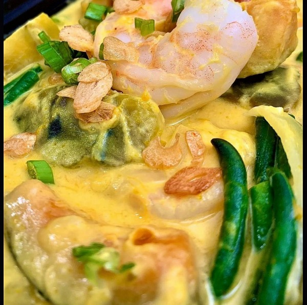 The Spicy Olive's Coconut Curry Kabocha Shrimp